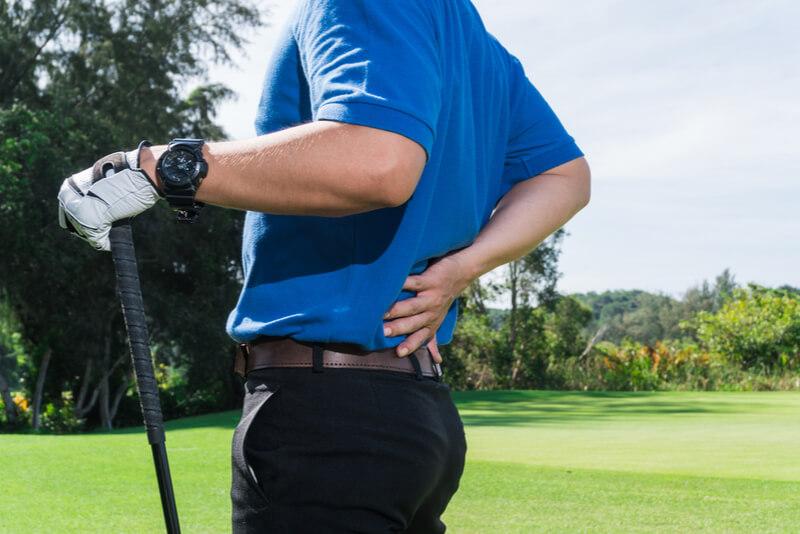 ゴルフ中の腰痛